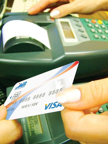 Thẻ tín dụng quốc tế - Vay tiền thời hiện đại