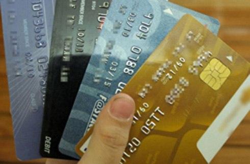 Ngân hàng dễ dãi mở thẻ tín dụng